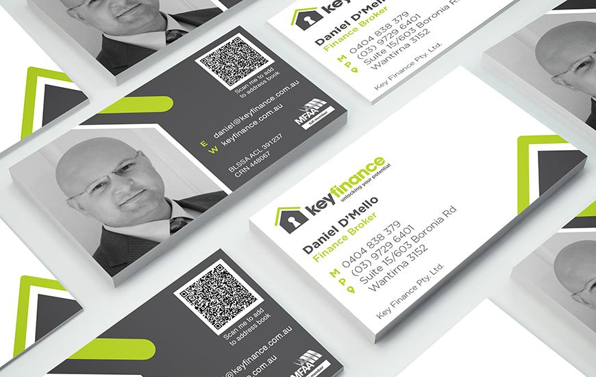 Key-Finance_business-card_Mock-up